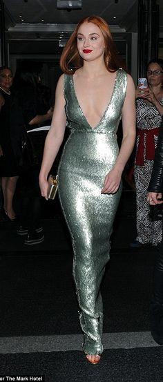 Sophie Turner in Burberry - Met Ball 2015