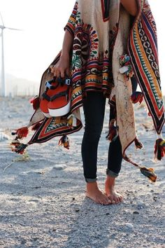 American Hippie Bohéme Boho Style Poncho | Boho chic bohemian boho style hippy hippie chic bohème vibe gypsy fashion indie folk yoga yogi womens fashion style kimono pattern summer