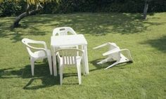 With no reports of injuries or structural damage after 4.2-magnitude quake, the garden of England becomes ripe for ridicule