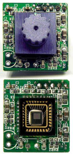 Sweex_USB_webcam_PCB_with_without_lens_close_up.jpg (681×1437) sensor de la cámara