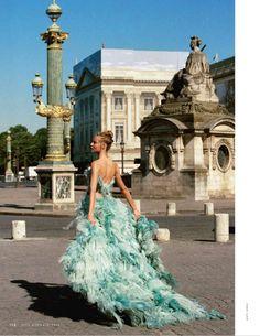 Elle Italy January 2016 : Magdalena Frackowaik by Matt Jones