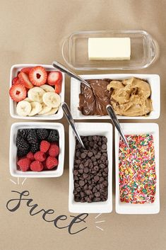 Waffle Bar Ideas with Recipes - Life is Poppin' Christmas Brunch, Christmas Breakfast, Christmas Desserts, Christmas Baking, Birthday Brunch, Brunch Party, Birthday Breakfast, 14th Birthday, Waffle Bar