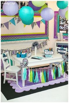 Loving this Schoolgirl Style classroom with our Black & White Chevron (and Polka Dots) Double-Sided Border and the Purple Sassy Solids Border.