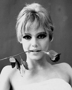 """Edith Minturn 'Edie' Sedgwick (April 20, 1943 – November 16, 1971) was an American heiress, socialite, actress, and fashion model. She is best known for being one of Andy Warhol's superstars. Sedgwick became known as 'The Girl of the Year' in 1965 after starring in several of Warhol's short films in the 1960s. She was dubbed an 'It Girl', while Vogue magazine also named her a 'Youthquaker'."""" Eddie Edi Edy Sedgewick Sedwick Large Eyes Sixties Makeup 1960s Eyelashes Eyeliner Big Eyes EdieStyle"""