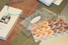 2016.9.13  極上クッキー  予約がいっぱいで買えないクッキーをいただきました  こちらは月に予約したそうですよ  さくさくホロホロおいしー  うれしいなぁ  #買えないと聞くと買いたくなる心理 #ミッシェルバッハ#クッキー #michelbach #芦屋マダムも御用達とか#igs_photo#cookie