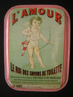 LE ROI DES SAVONS Advertising Ads, Vintage Advertisements, Vintage Housewife, Tin Containers, Bow Arrows, Antique Boxes, Vintage Graphic Design, Vintage Typography, Vintage Posters