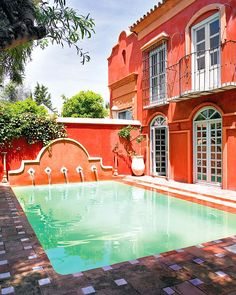 Haute Design by Sarah Klassen pool time come on over for an afternoon swim Spanish Home Decor, Spanish House, Spanish Style, Spanish Pool, Spanish Colonial, Outdoor Spaces, Outdoor Living, Outdoor Ideas, Piscina Interior