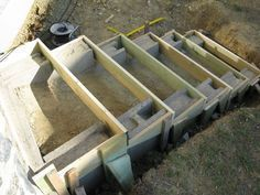 Eine Treppe aus Stahlbeton A staircase made of reinforced concrete Outdoor Projects, Garden Projects, Building Stairs, Outdoor Steps, Garden Stairs, Concrete Stairs, Hillside Landscaping, Reinforced Concrete, Horticulture