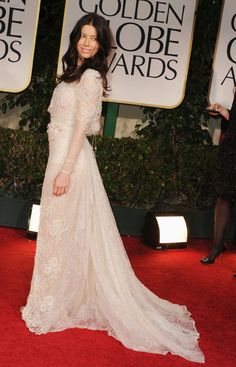 J-Biel looked so gorgeous at the Golden Globes