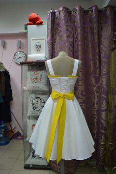 Ретро платье индивидуальный пошив строго по меркам. http://vintage-trend.ru/info/30/Medvedeva_Valeriya__Sankt_Peterburg.html