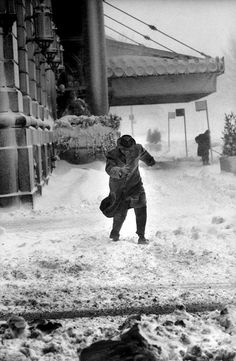 Al Fenn - A snowstorm hits New York City in February 1960.  From Time & Life Pictures/Getty Images