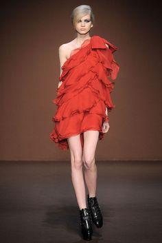Andrew Gn RTW A/W 2010/11.  Model - Diana Farkhullina.