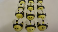 Fondant Bumble Bee Cupcake Toppers by KraftyKakes on Etsy