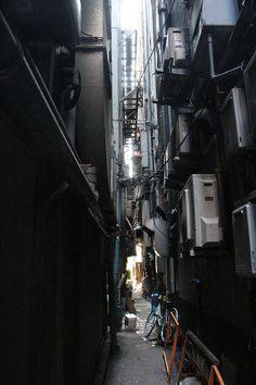 【サイバーパンク】歌舞伎町の路地裏の写真貼ってく【禁断の現場に行ってきた!!】:ハムスター速報