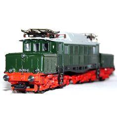 "Catawiki online auction house: Märklin H0 - 3335 - Electric locomotive ""German crocodile"" of the DR (DDR)"