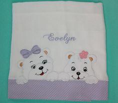 Fralda Cremer feita com aplique e acabamento em tecido.    As cores podem variar de acordo com o estoque ou com a escolha do Cliente.
