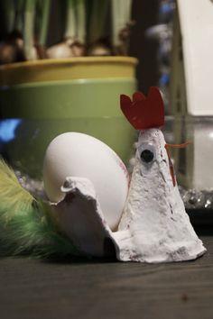 Klekkende høner ; Eggeglass av eggekartong