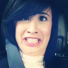 Demi`s Tweet face :P