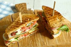 Sandwich - - -Club Sandwich - - - A simple Ham and cheese club sandwiches recipe for you to cook a great meal for family or friends. Buy the ingredients for our. I Love Food, Good Food, Yummy Food, Recetas Salvadorenas, Delicious Sandwiches, Lunch Sandwiches, Paninis, Happy Foods, Lunch Snacks