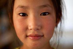 A young Mongolian girl Udo Reinhardt | udounterwegs.de | Photography