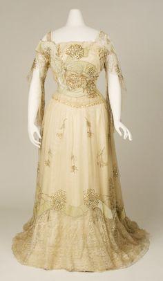 1902-03 evening dress