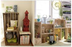 I do believe I have somewhat of an unhealthy obsession with wooden crates…. - Basket and Crate Old Wooden Crates, Diy Wooden Crate, Vintage Crates, Crate Bench, Crate Shelves, Stackable Shelves, Crate Decor, Pallet Designs, Dorm Decorations