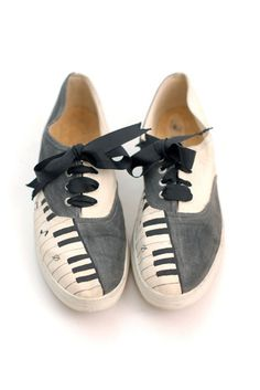 Wonder Piano Key Lace Ups....lol I'd never wear them...but they might make for some interesting decor