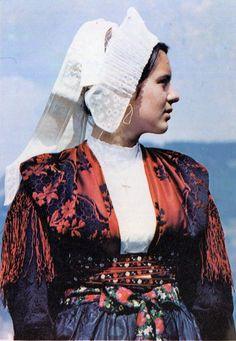Folk costume of Montainont, France