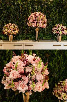 arranjo de flor rosê com flor verde - Pesquisa Google