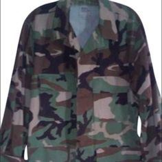 MILITARY CAMO JACKET(M)OFFICIAL SUPER CUTEFITS LIKE LARGE NO FLAWS TO REPORT MILITARY Jackets & Coats Utility Jackets