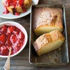 Brown butter Pound Cake with Rhubarb Compote Brown butter has the taste and aroma of toasted hazelnuts with a fuller, deeper flavor and color than plain butter. Here, it enriches a plush pound cake with a nuttiness that is complemented by a s. Strawberry Rhubarb Compote, Strawberry Cakes, Strawberry Recipes, Cupcakes, Cupcake Cakes, Biscotti, Williams Sonoma, Butter Pound Cake, Dessert Crepes
