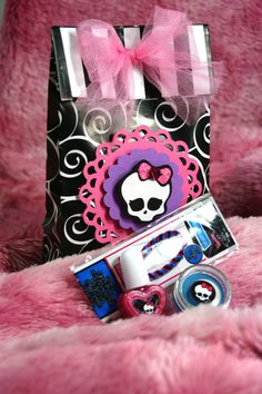 Monster High Treat Bags with treats or party by ScrappyChicShop, $5.50