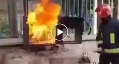 Bombeiro Usa Garrafa De Coca-Cola Para Apagar Fogo