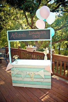 Lemonade/Ice Cream Stand! Love the idea of chalk board then one prop can change for different sessions