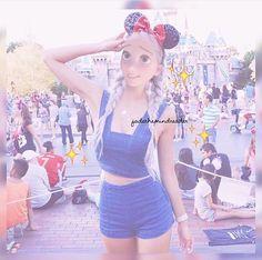 Imagen de aesthetic, soft grunge, and dyed hair Rapunzel, Amy Pham, Disney Adoption, Modern Day Disney, Modern Disney Characters, Disney Princess Art, Disney Frozen Elsa, Soft Grunge, Dyed Hair