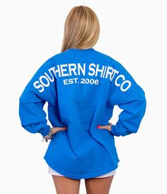 This getaway-ready lightweight jersey has a new flattering fit, and crush-worthy colors for effortless style, from beach to boardwalk. Southern Shirt Company, Simply Southern Shirts, Preppy Outfits, Cute Summer Outfits, Cute Outfits, Marina Blue, For Elise, T Shirt Time, Preppy Girl