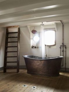 Beautiful #bathroom #design I like this kind of tub