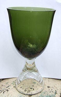 Dec 18, 2014 ,  $16.95 [ 1 bid ] Shipping: $10.80 .  Erickson-Glass-Controlled-Bubble-Green-Vase-Goblet-Vase-8-5-inch-Modern