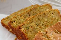 An easy and delicious Thermomix Carrot, Apple & Zucchini Loaf. Freezer-friendly, kid-friendly and great for school lunchboxes! Clean Eating Snacks, Healthy Snacks, Healthy Recipes, Carrot Loaf, Apple Loaf, Apple Bread, Apple Cake, Zucchini Loaf, Hidden Vegetables