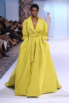 Chartreuse silk faille opera coat with obi belt, box pleats and voluminous sleeves | Fashion Friday: Ralph and Russo Autumn/Winter 2016-2017 | http://brideandbreakfast.ph/2016/10/21/ralph-and-russo-aw-16-17/
