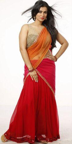 Beautiful Blonde Girl, Beautiful Girl Photo, Beautiful Girl Indian, Most Beautiful Indian Actress, Beautiful Saree, Gorgeous Women, Beautiful Pictures, Indian Bollywood Actress, Beautiful Bollywood Actress