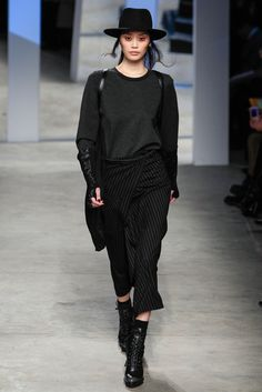 Kenneth Cole Collection - Fall 2014 Ready-to-Wear - Look 2 of 50