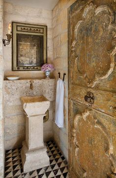 the style saloniste: Visiting Chateau Domingue: Timeless Materials, Classic Provençal Style