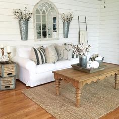 Nice Shabby Chic Living Room Decor You Need to Have - There is something alluring about a defect that is done impeccably. This is the reason individuals love to get the shabby chic living room decor. Farmhouse Wall Decor, Country Decor, Rustic Farmhouse, Farmhouse Style, Rustic Style, Country Style, Farmhouse Ideas, Rustic Modern, Farmhouse Furniture