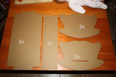 Cardboard doll cradle tutorial - not in English but good photos. Kirigami, Infant Activities, Doll Crafts, 18 Inch Doll, Diy Toys, Kids And Parenting, Diy For Kids, Kids Playing, Ideas Para