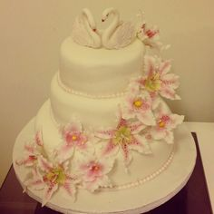 Lily and orchids Orchids, Wedding Cakes, Wedding Flowers, Lily, Weddings, Desserts, Food, Wedding Gown Cakes, Tailgate Desserts