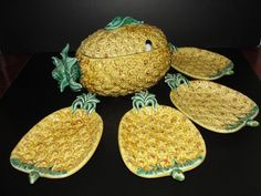 Vintage Bordallo Pinheiro Pineapple Serving Bowl 4 Plates Made in Portugal | eBay