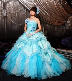 Mariko Shinoda Funky Wedding Dresses, Wedding Dinner Dress, Kids Party Wear Dresses, Bridal Dresses, Modest Long Dresses, Pretty Dresses, Fairytale Dress, Princess Ball Gowns, Gowns For Girls