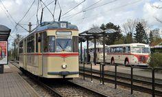 Historische Straßenbahnen auf in Tour Rostock