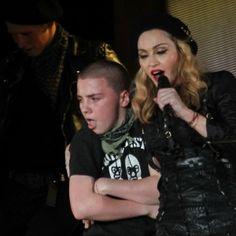 Madonna muda de estratégia para conseguir a guarda do filho, diz site #Cantora, #Celebridades, #GuyRitchie, #M, #Madonna, #Pop, #QUem, #Show, #Superstar http://popzone.tv/2016/03/madonna-muda-de-estrategia-para-conseguir-a-guarda-do-filho-diz-site.html